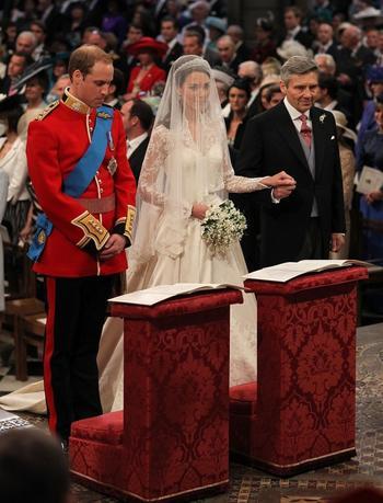 Как женятся современные принцы и принцессы в 10 странах мира