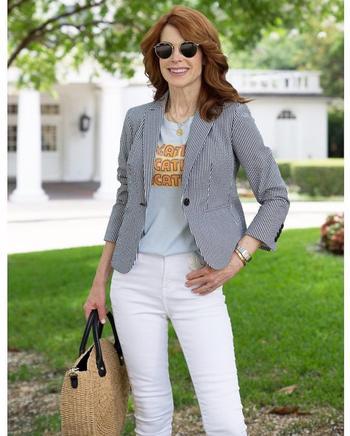 Что носить с джинсами женщине 50 лет