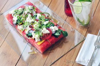 Как приготовить необыкновенный салат из арбуза