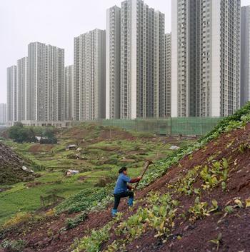 «Metamorpolis»: фотопроект Тима Франко об особенностях чунцинской урбанизации