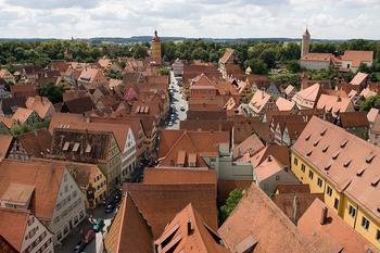 Динкельсбюль: традиционный старинный городок на границе Баварии и Баден-Вюртемберга