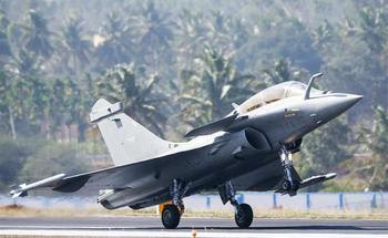 F-16 атакует наш МиГ-35 в индийском небе