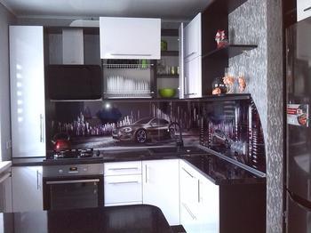 Кухня: БМВ и глянец