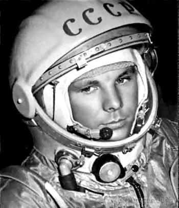 "Кому мешает надпись ""СССР"" на шлеме Гагарина?"