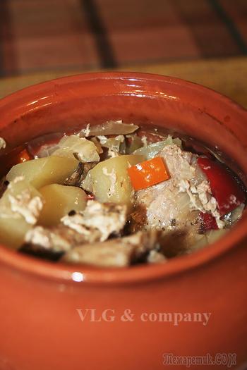 Мясо в горшочках (видео рецепт)