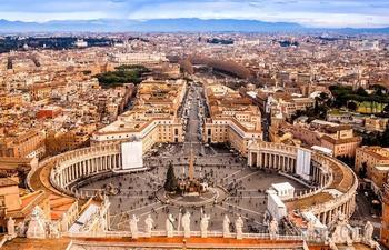 10 «дьявольских» вещей, которые могут храниться в закрытых архивах Ватикана
