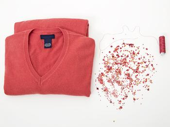 Маскируем пятно на джемпере вышивкой бисером