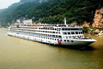 Китай 2018. 22. Ичан. Круизное судно Yangtze Gold 2