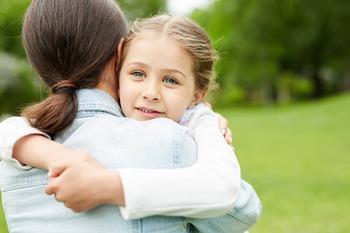 Ошибки воспитания: 5 хороших побуждений родителей, которые травмируют ребенка