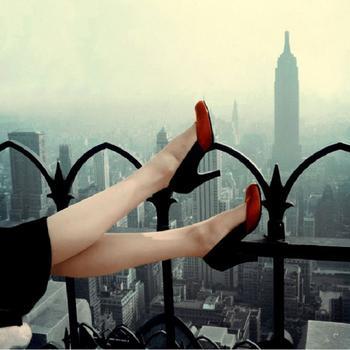 Практичная мода: 27 фотографий стильной женской обуви 1940-1950-х годов
