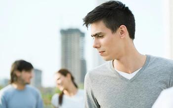 Ревную друга к друзьям: разрушительная сила или катализатор укрепления отношений?