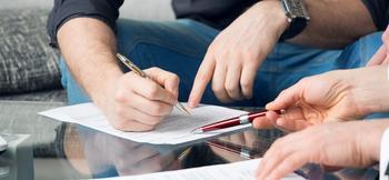 Документы, необходимые для оформления дарственной на дом и землю между родственниками