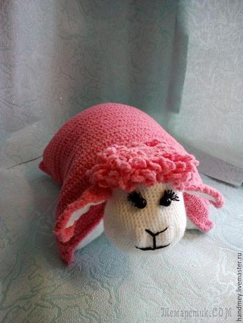 Вяжем подушку-игрушку Овечка