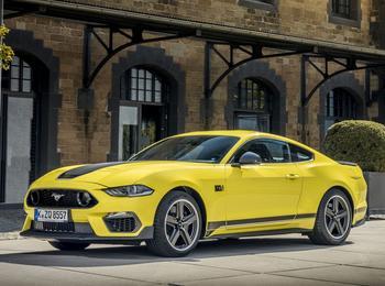 Ford Mustang 2021: новинка фирменного ряда в кузовах «фастбек-купе» и «кабриолет»