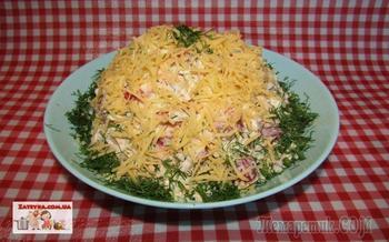 Салат с пекинской капустой, помидорами и сыром