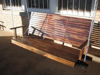 Качели-скамейка своими руками: отличная идея для дачи