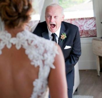 25 отцов, которые не смогли сдержать свои эмоции, увидев своих дочерей в свадебном платье