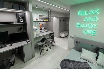 Мы такого еще не видели – в стильной «холостяцкой берлоге» кухню заменили на спальное место