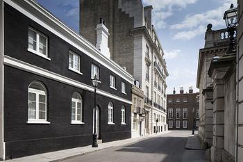Стильный таунхаус в георгианском здании в Лондоне