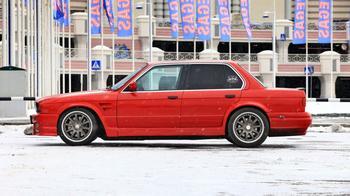 Маленький седан с большим сердцем: тюнинг BMW 318 Е30