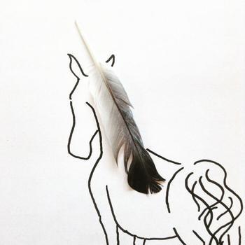 Пражский художник показывает, что рисовать можно даже с помощью повседневных предметов