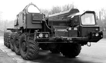 Двенадцать колес для «Пионера»: новый шестиосный ракетоносец МАЗ-547В