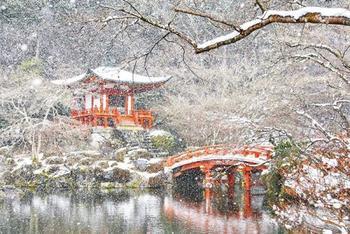 Заснеженный Киото превратился в настоящую зимнюю сказку