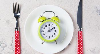 Можно ли принимать пищу после 18 часов? Правда и мифы