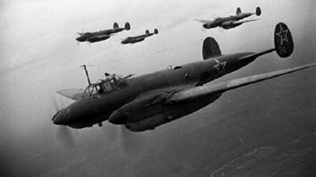 Как советский летчик Василий Раков потопил немецкий крейсер