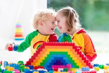 Чем полезны для развития ребенка игры с конструкторами