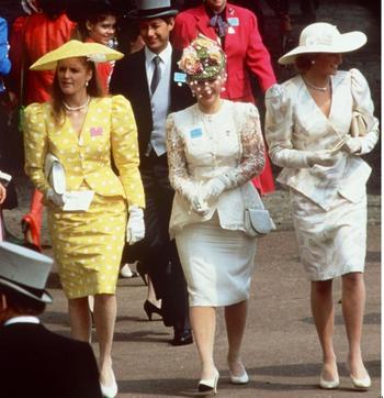Стиль принцессы Дианы возвращается: Образы леди Ди, которые стоит примерить этим летом