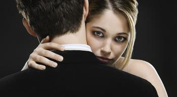 5 отталкивающих стратегий, которые используют ревнивцы