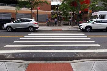 Парковка перед пешеходным переходом: за сколько метров?