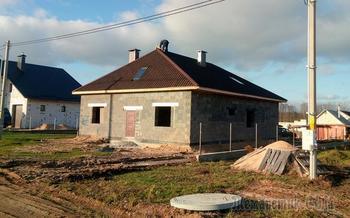 Семья оставила мечты о квартире в Минске и строит дом в Смолевичах