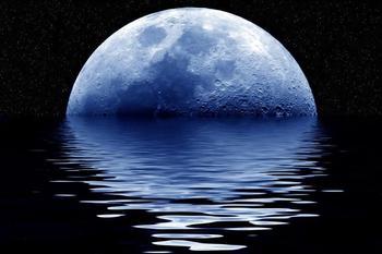 """10 странных """"фактов"""" о луне, которые не могут объяснить современные учёные"""