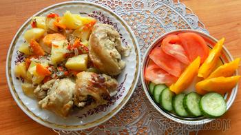 Курица тушеная в духовке с овощами