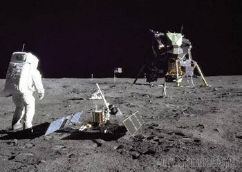 5 самых популярных мифов о первой высадке человека на Луну