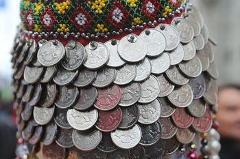 Доллар и евро подорожали перед праздниками
