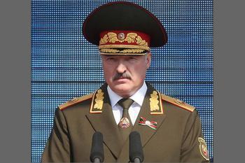 Лукашенко назначен Главкомом Западного фронта