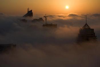 Города в облаках в серии фотографий