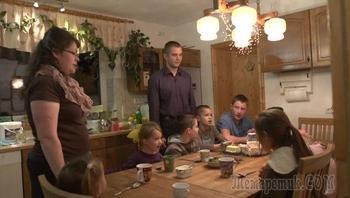 """Семья немецких """"секс-беженцев"""" опять возвращается в Россию"""