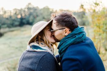 Какое слово указывает, что в паре счастливые отношения