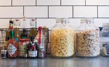 7 практичных идей, которые помогут освободить еще немного места на кухне