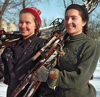 Картины советской жизни из журнала «Огонек»