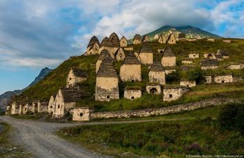 Даргавс: мрачное очарование таинственного города мёртвых в Северной Осетии