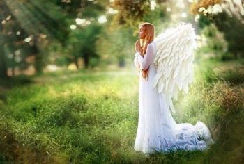 Узнайте своего ангела-хранителя по дате рождения
