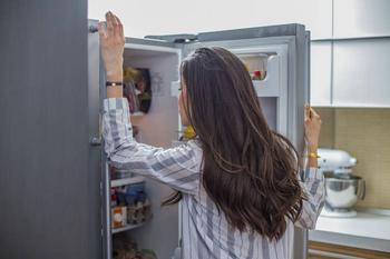 5 несъедобных продуктов, которые хранят только в холодильнике