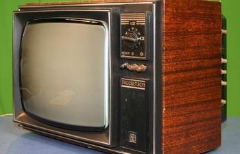 Почему нужно было ударять кулаком по советскому телевизору, чтобы он снова мог работать?