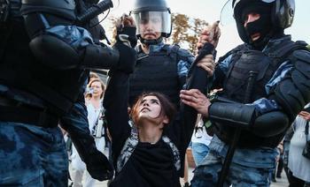 Опубликованы данные 1000 силовиков, которые задерживали беларусов