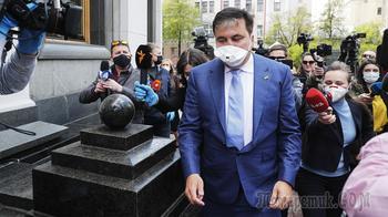 «Будут больше стрелять»: Саакашвили вновь предрек распад Украины